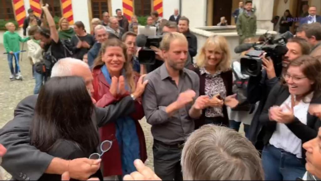 VIDEO : l'arrivée triomphale des Verts au Château
